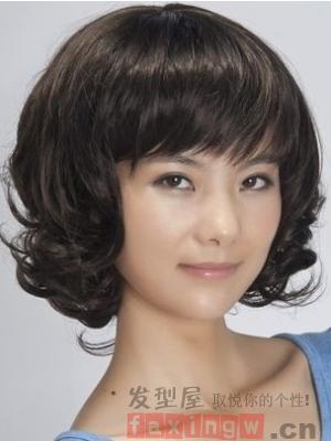 中年中短发烫发发型 修颜减龄添魅力