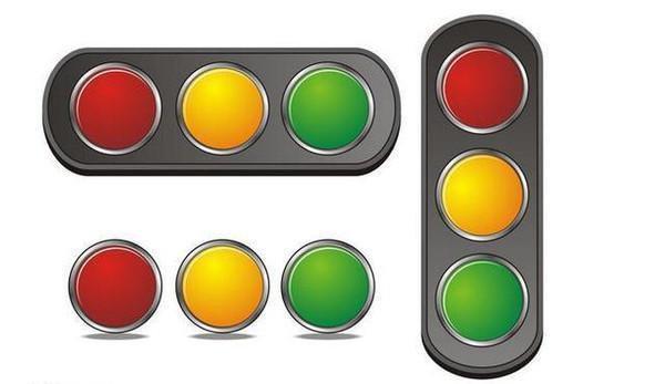 交通信号灯是一组3个圆的灯 当3个都是红灯的时候可以