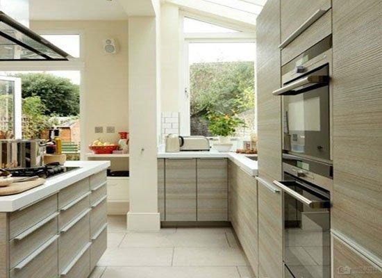 考量条件慎重装修 厨房在阳台装修