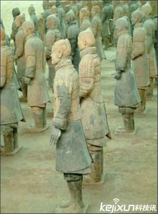 秦始皇陵竟是金字塔: 九层妖塔由兵马俑守卫