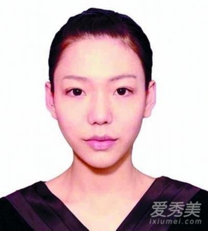 跑男团齐聚海口,同冯小刚导演在电影公社合影
