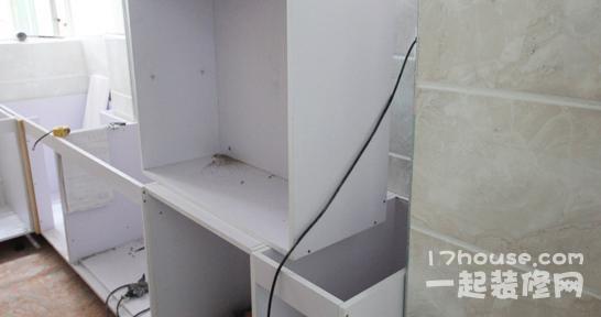 吊柜安装要谨慎 厨房吊柜安装四大注意事项图片