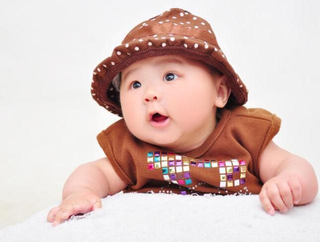 小孩小名大全洋气点的-女宝宝小名 洋气水果名/男孩点图片