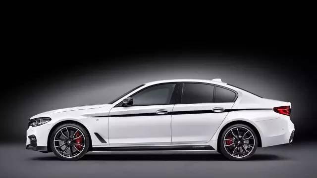 宝马发布新款五系m performance套件 点击加载图片 相比全新奔驰e级
