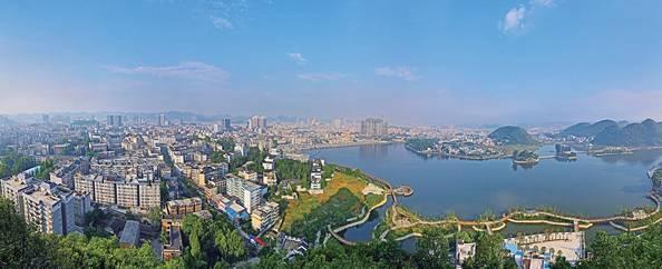 安顺双堡夏天风景