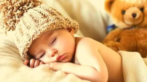 微信头像韩国可爱宝宝睡觉
