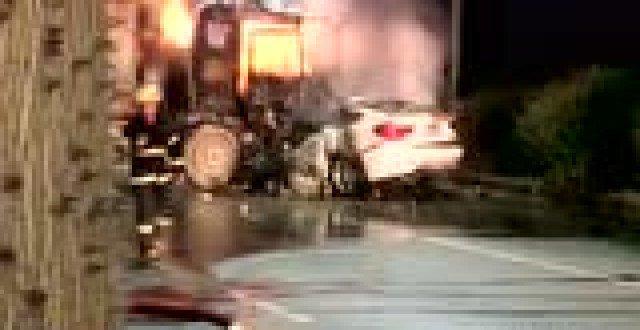 宝马撞泥头车, 瞬间大火