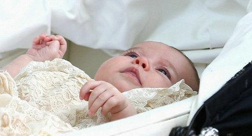 瑞典可爱卷发小宝宝