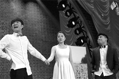 """在之前的节目中,""""烧饼""""朱云峰,曹鹤阳,张康等德云社弟子曾给观众留下"""