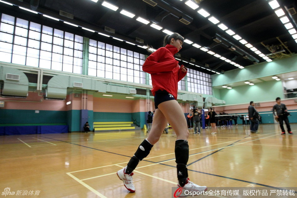 哈萨克长腿排球美女 郑嘉颖与哈萨克排球美女跨年 否认与佘诗曼复合