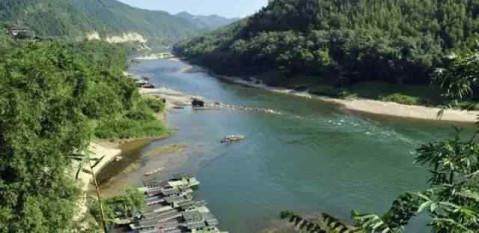点击加载图片 ▼柳州博物馆 点击加载图片 ▼广西鹿寨香桥岩风景区