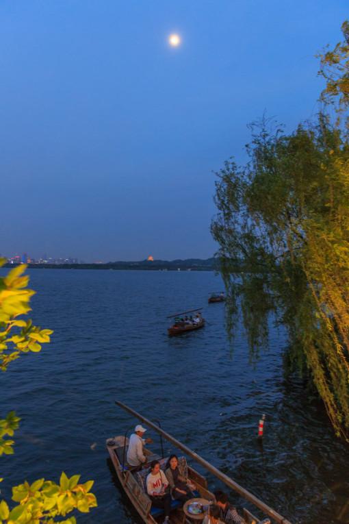 西湖风景画小报