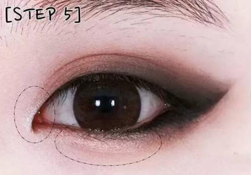 眼皮眼妆的画法步骤