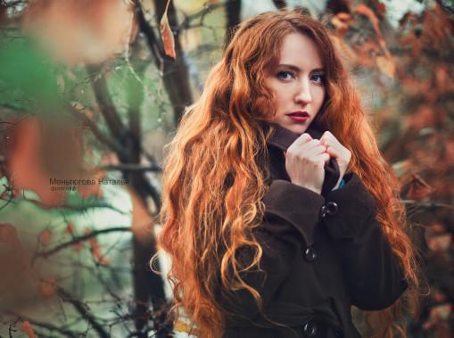 俄罗斯女摄影师Natalia Mentugova ,现居于陶里亚蒂,擅长唯美人像摄影。她的作品以自然,情绪风为主。从儿童到少女,到熟女,不同阶段的女生,在她镜头下展现出不一样的个性魅力。女孩的纯真,少女的天真浪漫,熟女的小性感,通过唯美光影的烘托,深入人心的神情刻画,展现出不一样的美。  一篇没看够?!请点击阅读更多相关专题! 《清新脱俗的唯美人像》 《人像摄影:无法抵挡的朦胧美诱惑力》 《情绪人像:安静的做个美女子》 本文来源于POCO摄影网,转载请注明来源与作者,有违必究