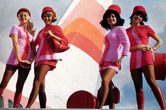 那时坐飞机本身就是一趟旅行